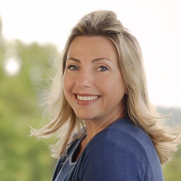 Ann Dahley headshot